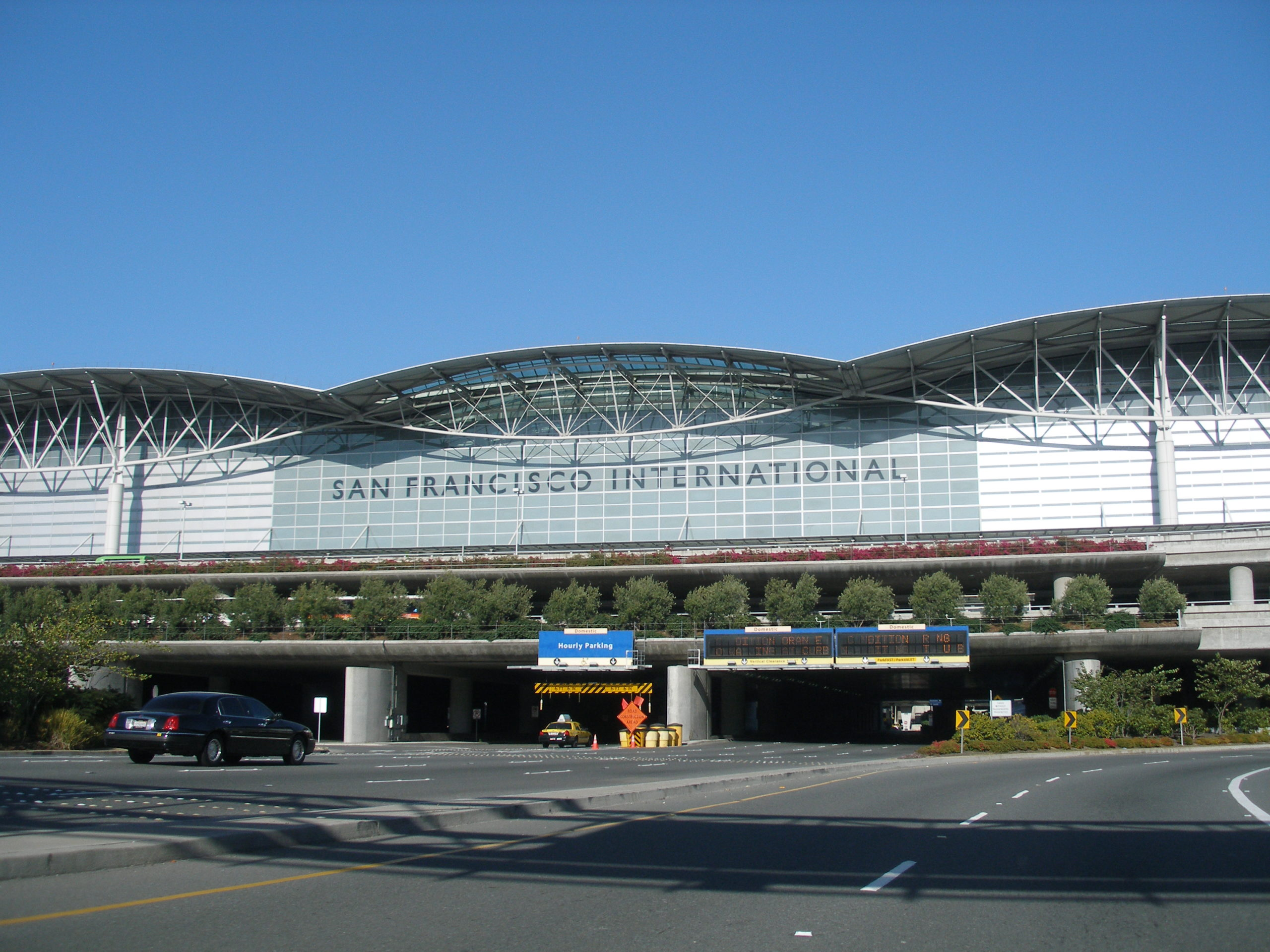 サンフランシスコ国際空港(SFO)の出発、到着について